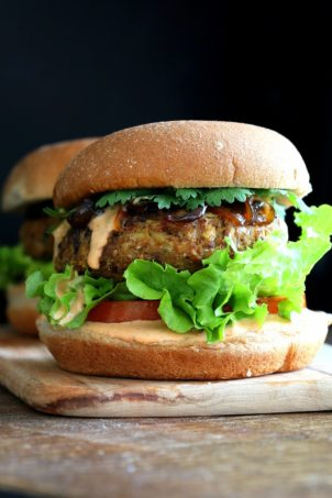Chickpea Jackfruit Burgers from Vegan Richas Everyday Kitchen