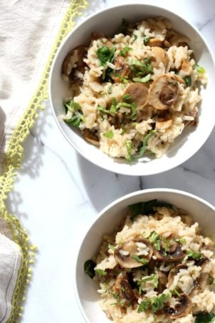 Instant Pot Mushroom Risotto. Easy Vegan Mushroom Risotto made in Instant Pot Pressure cooker. Saucepan option. #Recipe #soyfree #nutfree #vegan #glutenfree #veganricha #instantpot | VeganRicha.com