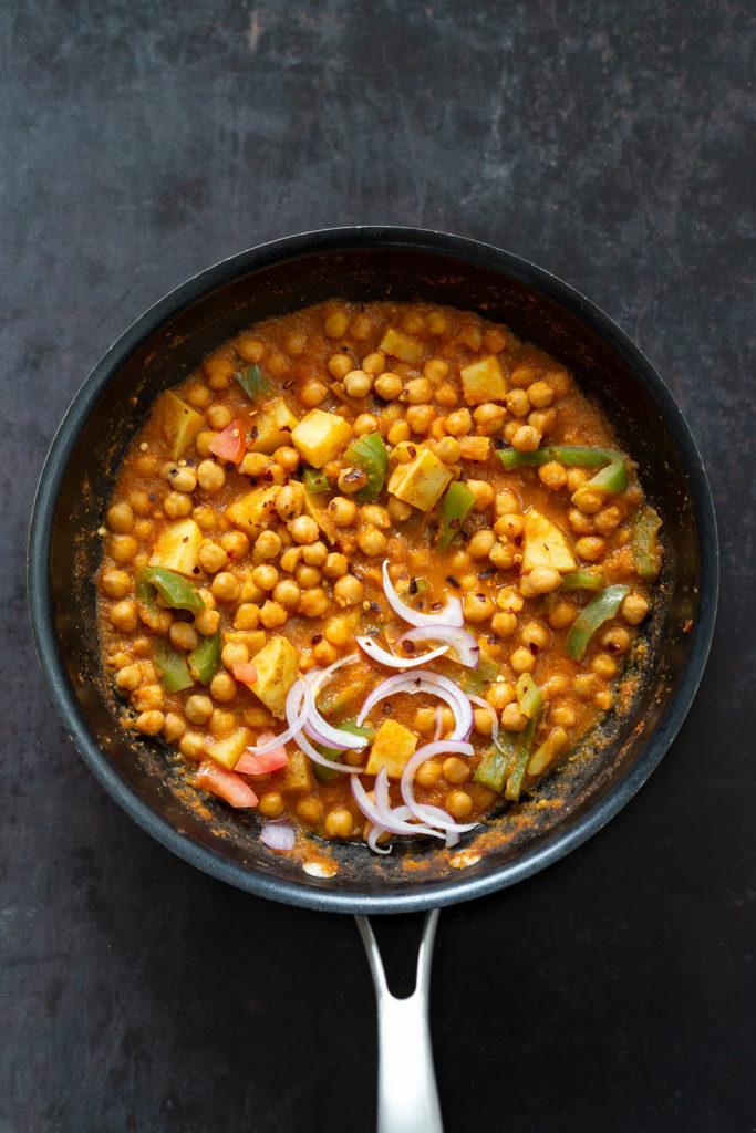 Kadai Chole – Spiced Chickpeas and Potatoes