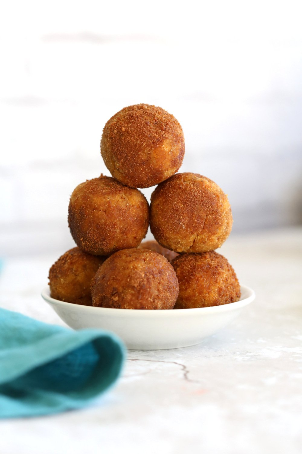 Vegan Pumpkin Pie Truffles or No Bake Pumpkin Donut Holes. 7 Ingredient No oil, No Refined Sugar These fudgy bites are perfect for fall. #VeganRicha #Vegan #Glutenfree #Soyfree #Recipe