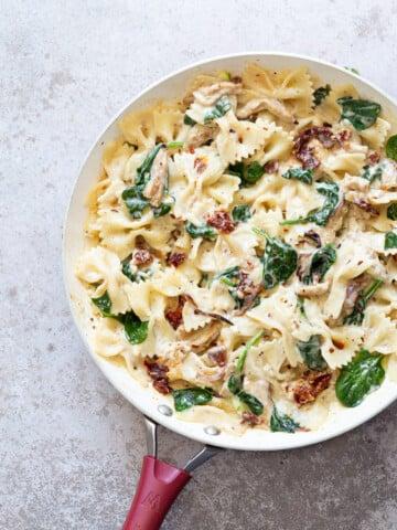 "Creamy Sun Dried Tomato Pasta with Garlic Soy curls. Vegan Tuscan Garlic ""Chicken"" And pasta. #Vegan #Recipe Can be Gluten-free, Soyfree, nutfree #VeganRicha"