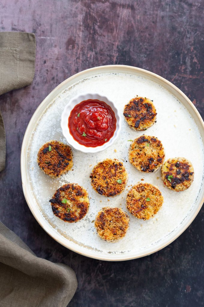 Potato Cauliflower Patties Vegan Recipe. Easy Cauliflower croquettes, pan fried or baked. #Vegan #Soyfree #Nutfree #VeganRicha #Recipe . Can be glutenfree | VeganRicha.com