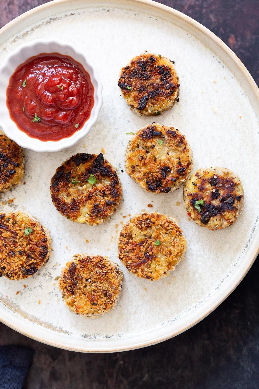 Potato Cauliflower Patties Vegan Recipe. Easy Cauliflower croquettes, pan fried or baked. #Vegan #Soyfree #Nutfree #VeganRicha #Recipe . Can be glutenfree| VeganRicha.com