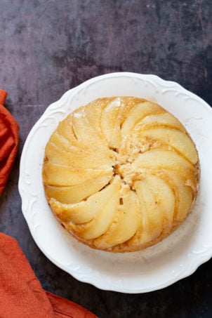 Pear Upside Down Cake. This amazing Vegan Upside Down Cake needs just 1 Bowl and 40 mins. Use oother fruits for variation. #Vegan #Nutfree #Soyfree #Recipe Glutenfree option #VeganRicha #PearCake | VeganRicha.com