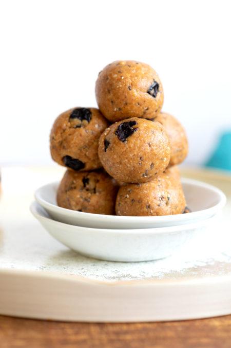 Vegan Blueberry Muffin Energy Bites, 1 Bowl 15 Minute. 8 Ingredient Blueberry energy balls for Snacking. #vegan #Glutenfree #Grainfree #Soyfree #Recipe #VeganRicha #blueberryenergybites