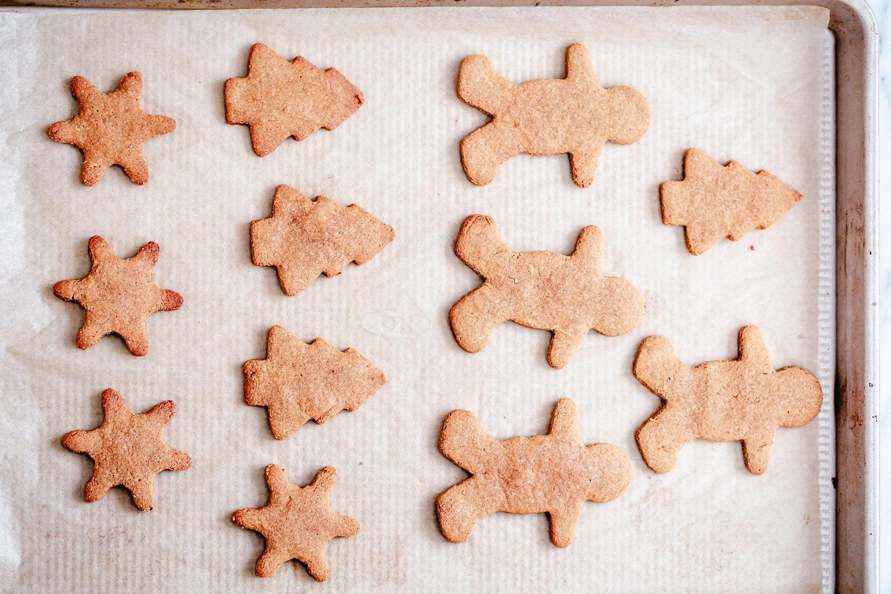 baked vegan gingerbread cookies on a cookie sheet