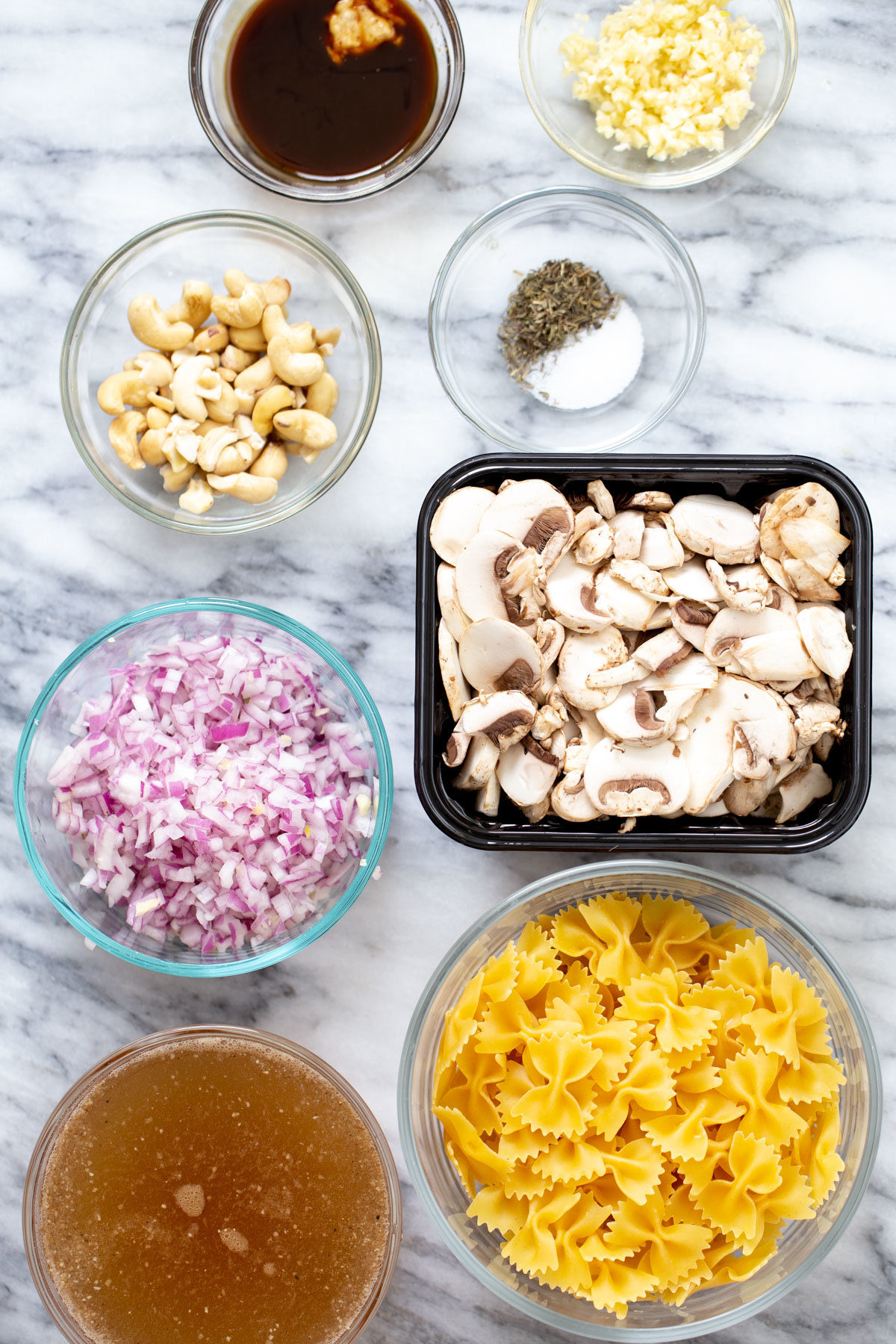 ingredients needed for making vegan stroganoff