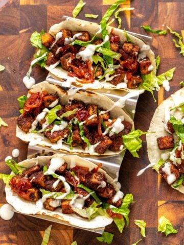 overhead shot of blackened tofu tacos